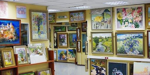 Выставка-продажа «Взгляд сквозь зеркала». Картинная галерея «Кустодиева 17»